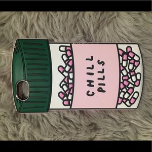 "Accessories - Iphone 6 ""chill pill"" case"